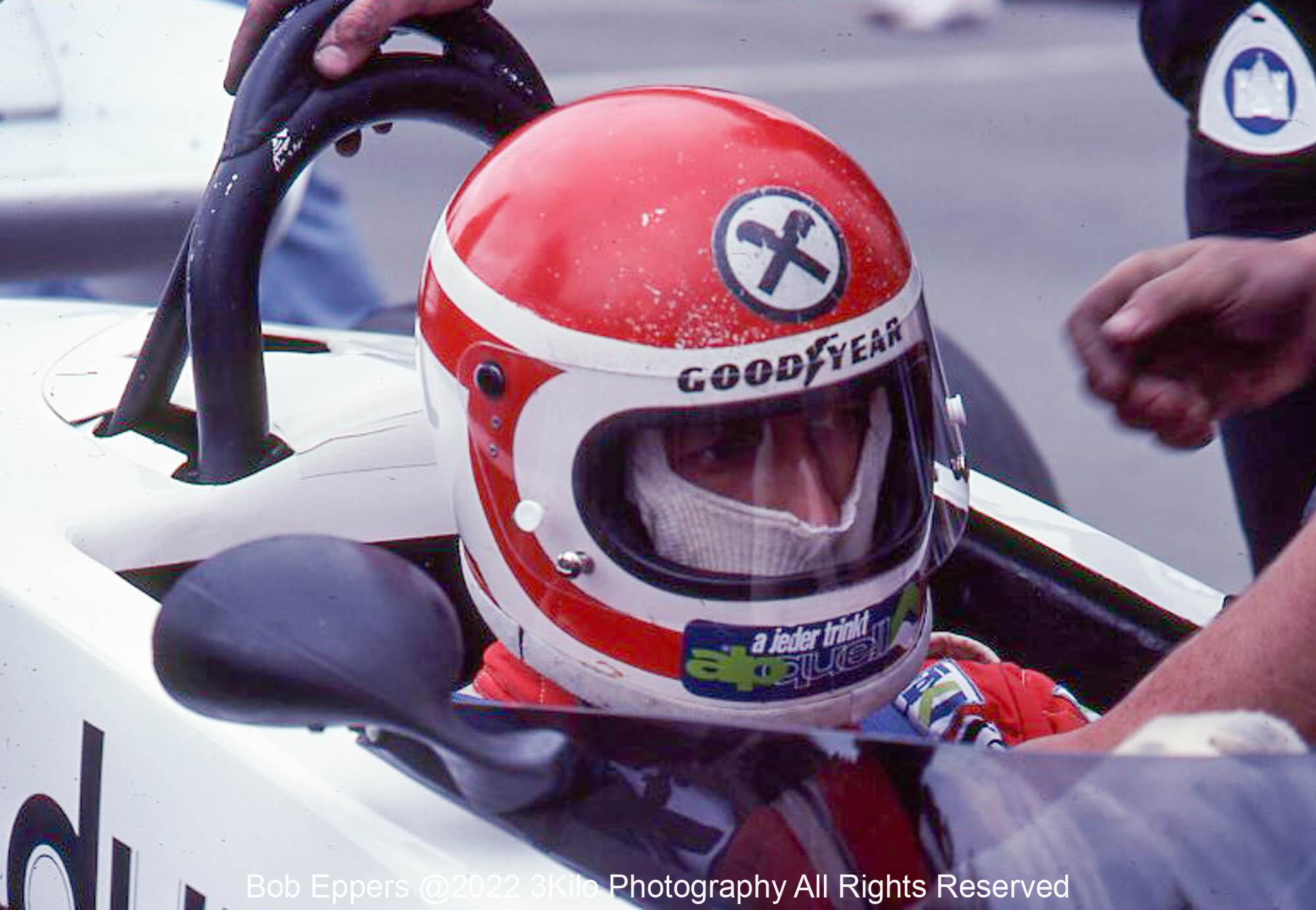 Photo of F1 Surtees with driver Hans Stuck. 1977 F1 LBGP