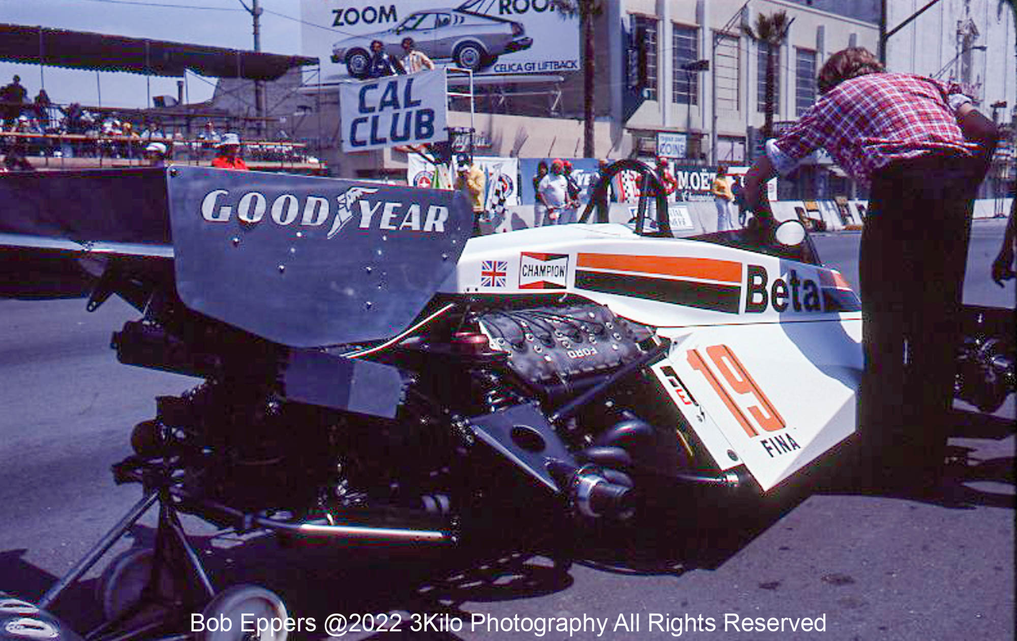 Photo of the rear of a F1 Surtees.  1977 F1 LBGP