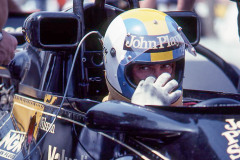 Photo of F1 Lotus with driver Gunner Nilsson. 1977 F1 LBGP