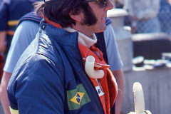 Photo of driver Emerson Fittipaldi wit the Worlds Fastest Banana . 1977 F1 LBGP