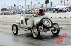 Photo of the 3 Kilo Speedster at the Antique National Drag Races at Fontana, CA